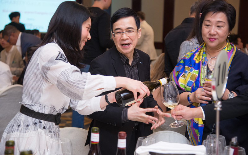 2019 THE FINE WINE EXPERIENCE BURGHOUND SYMPOSIUM Hong Kong Gala Dinner with special guests: Edouard Parinet, Jean-Luc Pépin, Erica and Allen Meadows